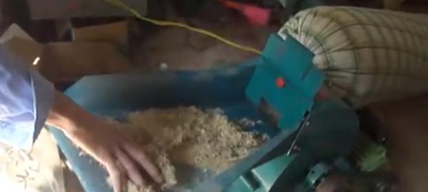 320饲料粉碎机 家用饲料粉碎机 小型粉碎机 广东饲料粉碎机 农作物粉碎机